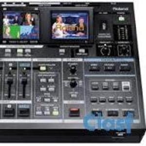 Roland VR-5 all-in-one audio video av mixer recorder