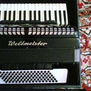 Продам аккордеон Weltmeister Caprice.
