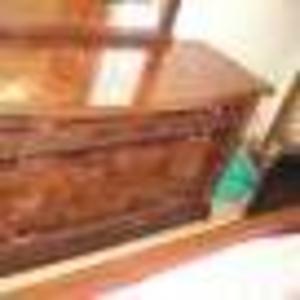 Продам спальную полированную мебель